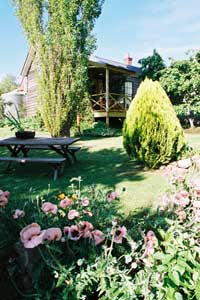 Holyrood House - Mount Gambier Accommodation