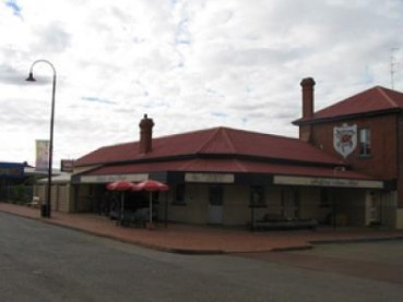 Bedford Arms Hotel - Mount Gambier Accommodation