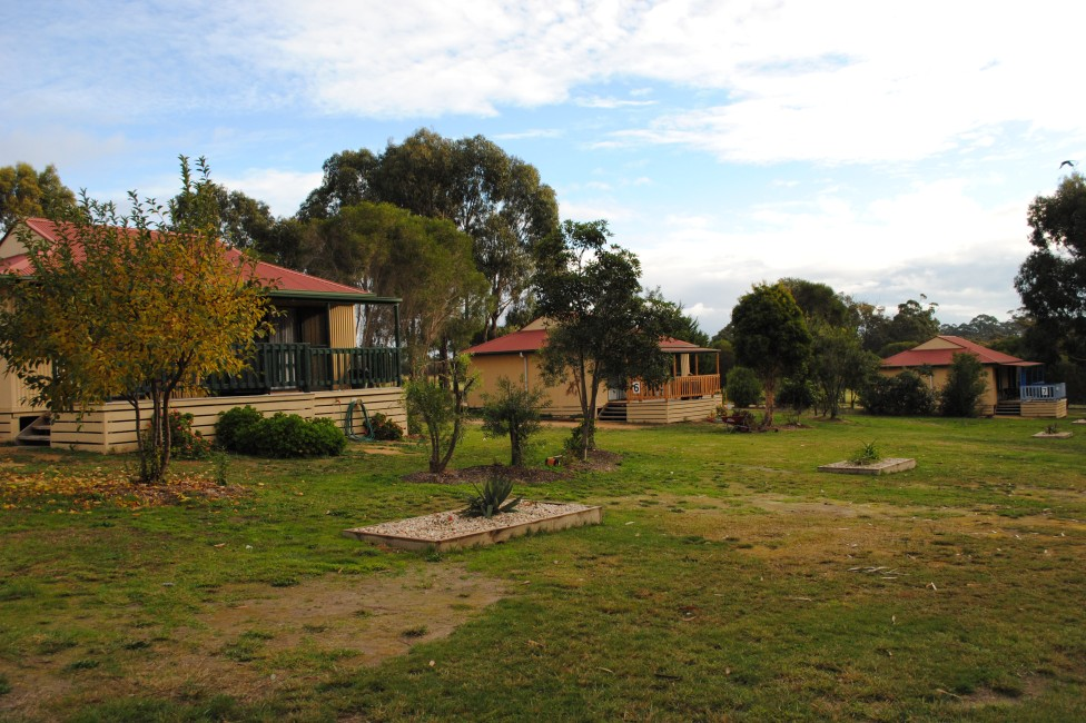 Lakes Entrance Country Cottages - Mount Gambier Accommodation