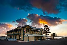 Arno Bay Hotel - Mount Gambier Accommodation