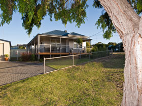 Serenity Holiday House - Mount Gambier Accommodation