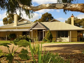Whistler Farm - Mount Gambier Accommodation