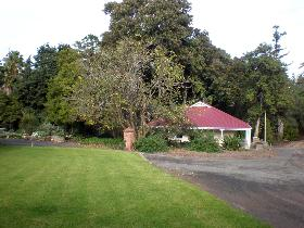 Brown's House - Mount Gambier Accommodation