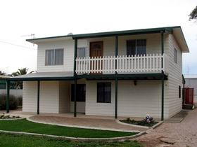 Louth Bay Holiday Apartment - Mount Gambier Accommodation