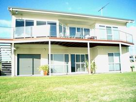 Swanport Views Holiday Home - Mount Gambier Accommodation