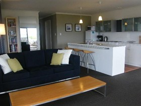 Coorong Waterfront Retreat - Mount Gambier Accommodation