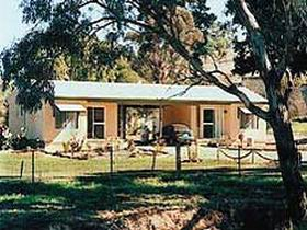 SunnyBrook Bed and Breakfast - Mount Gambier Accommodation
