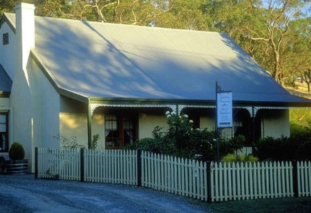 Country Pleasures Bed and Breakfast - Mount Gambier Accommodation