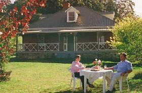 Hartzview Vineyard Homestead - Mount Gambier Accommodation
