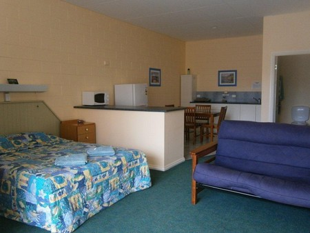 Penguin Holiday Apartments - Mount Gambier Accommodation