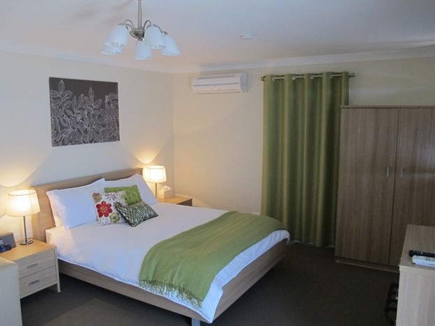West Wing Guest House - Mount Gambier Accommodation