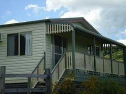 Halls Country Cottages - Mount Gambier Accommodation