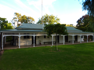 Lake Victoria Station Lodge - Mount Gambier Accommodation