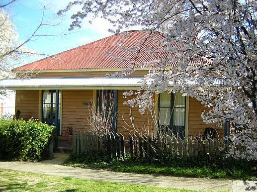 Cooma Cottage - Accommodation - Mount Gambier Accommodation