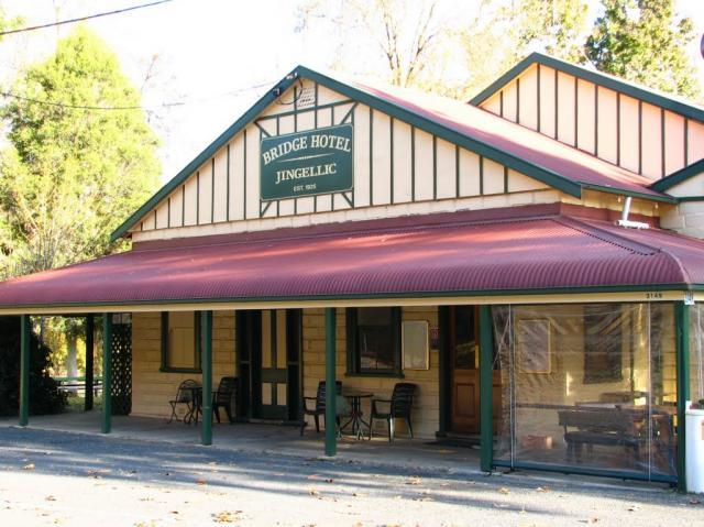 Bridge Hotel at Jingellic - Mount Gambier Accommodation