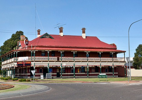 The New Coolamon Hotel - Mount Gambier Accommodation