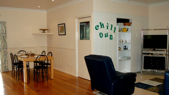 Carrs Hunter Valley Macadamia Farm Guest House - Mount Gambier Accommodation