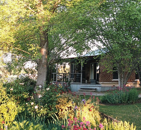 Amazing Country Escapes - Evanslea By The River - Mount Gambier Accommodation