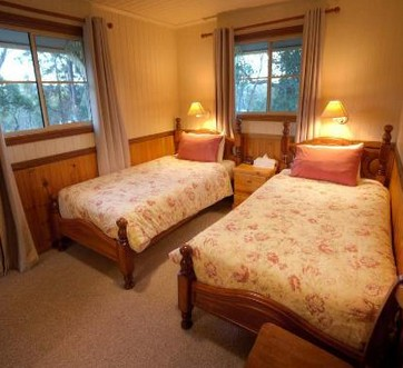 Accommodation Creek Cottages - Mount Gambier Accommodation