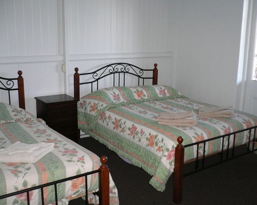 Carrollee Hotel - Mount Gambier Accommodation