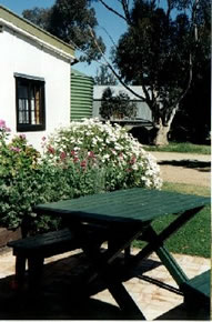Dunalan Host Farm Cottage - Mount Gambier Accommodation