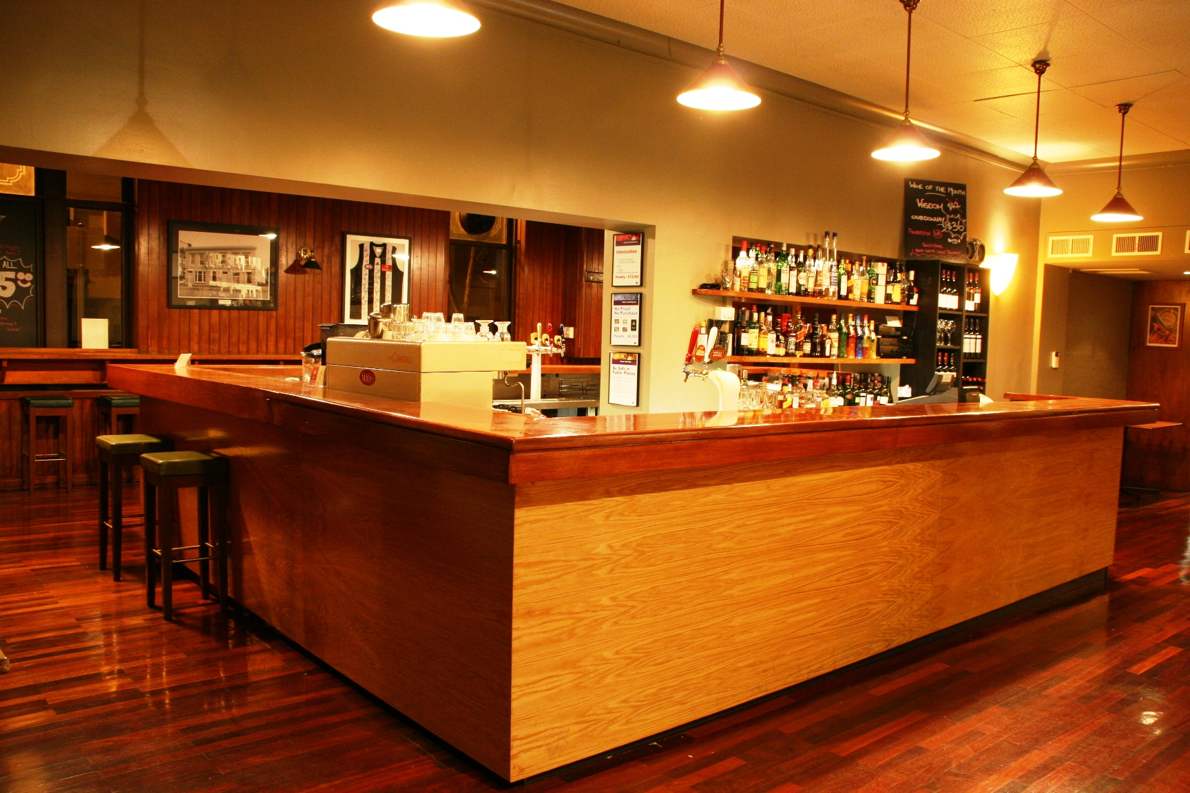 Royal Standard Hotel - Mount Gambier Accommodation