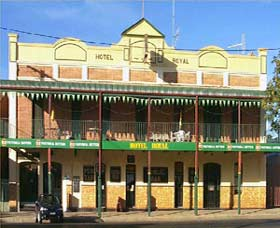 Royal Hotel Coonabarabran - Mount Gambier Accommodation