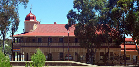 Peterborough Railway Hotel - Mount Gambier Accommodation