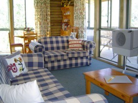 Myrtle Creek Cottages - Mount Gambier Accommodation