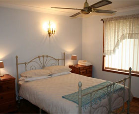 Caits Cottage Bed And Breakfast - Mount Gambier Accommodation