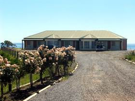 Coastview Escape - Mount Gambier Accommodation
