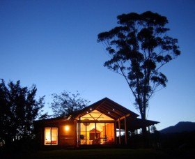 Promised Land Cottages - Mount Gambier Accommodation
