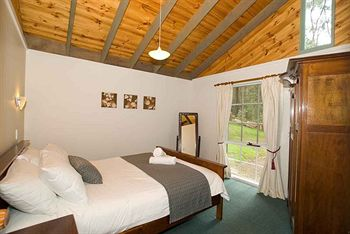 Hill aposNapos Dale Farm Cottages - Mount Gambier Accommodation