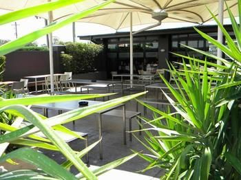 Crossroads Hotel Liverpool - Mount Gambier Accommodation