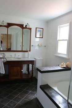 Maison de May Boutique Bed ampbreakfast - Mount Gambier Accommodation