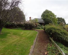 Camellia Cottage On Maple Hill - Mount Gambier Accommodation