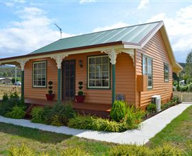 Grand Ole Topiary Cottage - Mount Gambier Accommodation