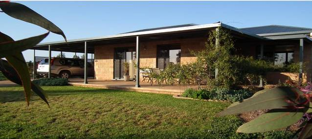 Welcome Cottage Executive Serviced Accommodation - Mount Gambier Accommodation