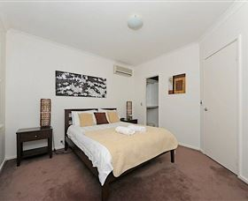 Cottesloe Beach House 2 - Mount Gambier Accommodation