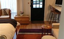 Milo's Bed and Breakfast - Mount Gambier Accommodation