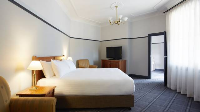 Brassey Hotel - Mount Gambier Accommodation