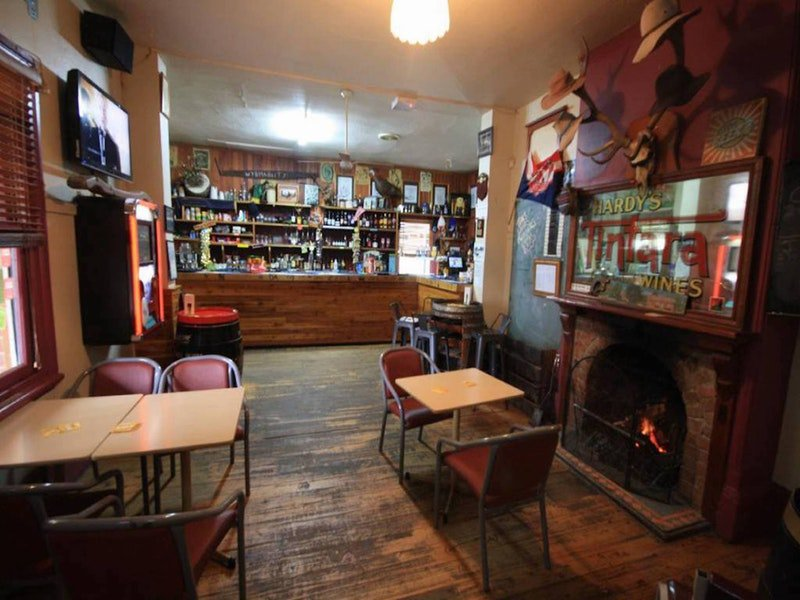 Victoria Hotel Moonan Flat - Mount Gambier Accommodation