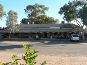 The Family Hotel - Mount Gambier Accommodation