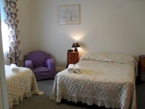 Aaron Cottage - Mount Gambier Accommodation
