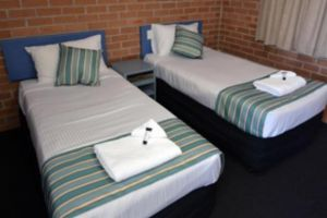 The Oaks Hotel Motel  - Mount Gambier Accommodation