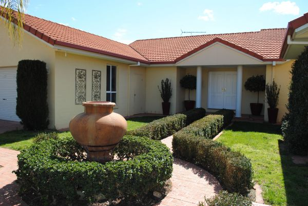Casa Pizzini Bed and Breakfast - Mount Gambier Accommodation
