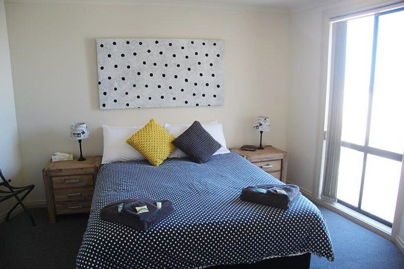 Cliff House Beachfront Villas - Mount Gambier Accommodation
