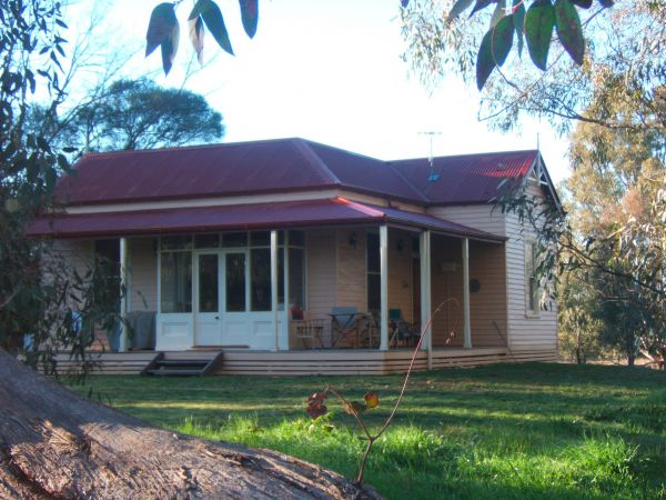 Baranduda Homestead BB Cottages - Mount Gambier Accommodation