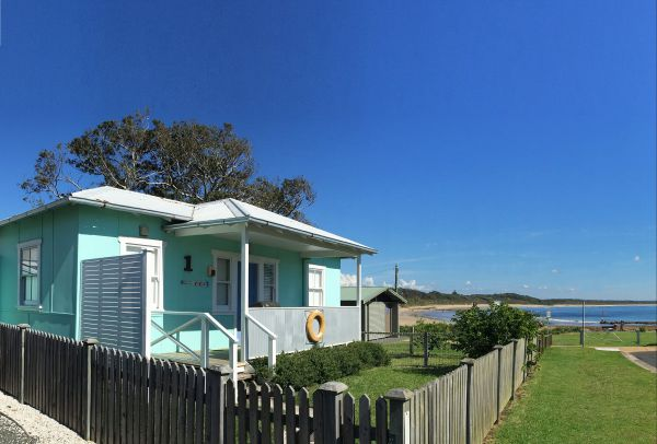 Aurora Beachfront Cottage - Mount Gambier Accommodation