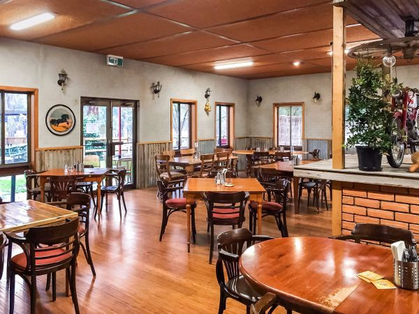 Hungry Horse Hotel Molesworth - Mount Gambier Accommodation